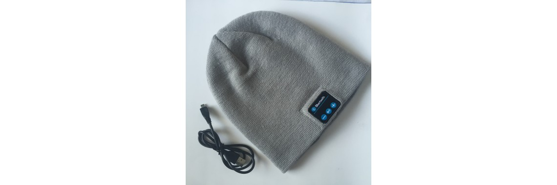 Smart Talking Music Beanie Hat w/ Built-in Wireless Bluetooth